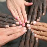 istock_000007001086small_mikosch_editoria_racismo-300x203